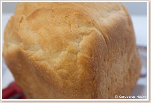 初の食パン